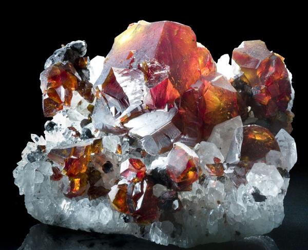 Пироп минерал