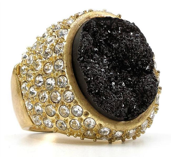 Золотой перстень с карбонадо