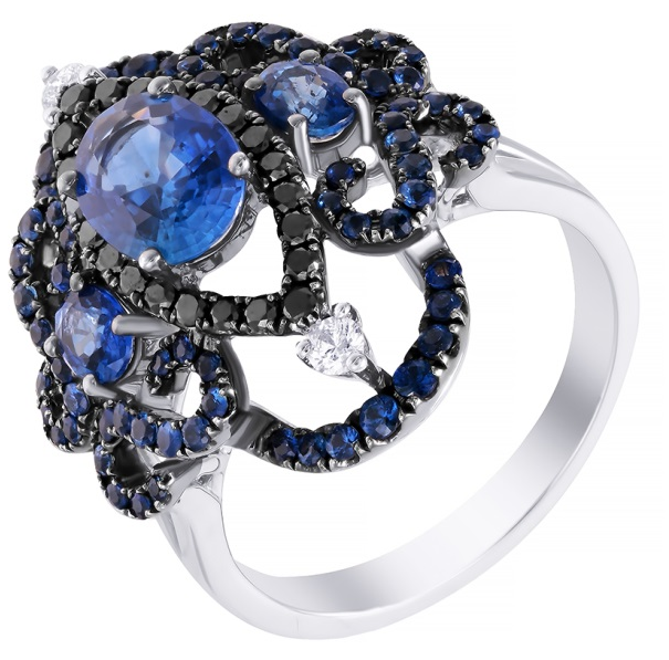 Кольцо с черными алмазами и сапфирами