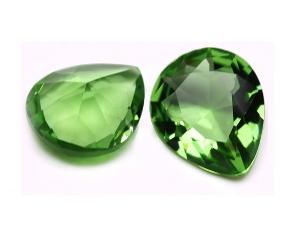 Зеленое ювелирное стекло