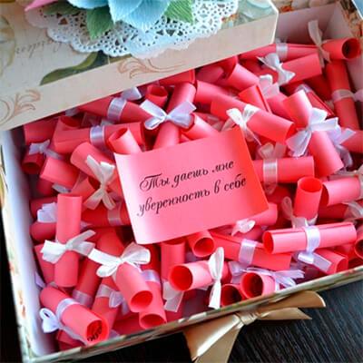 Как сделать подарок на 8 марта для женщины