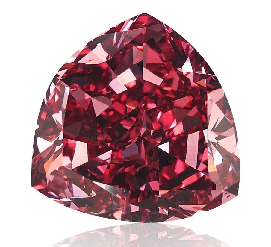 Красный бриллиант Moussaieff