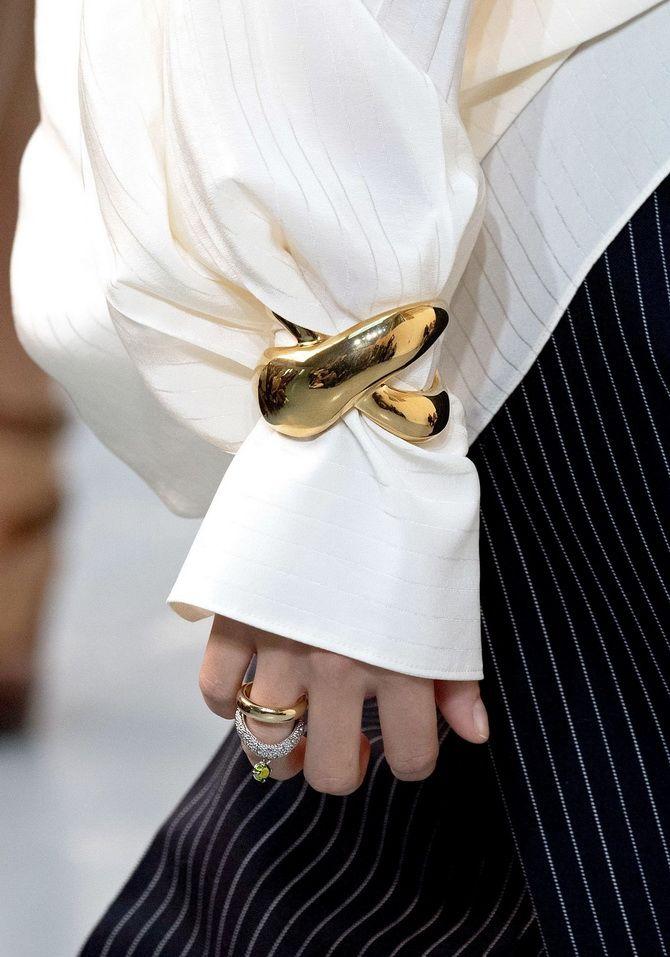 Как носить браслет-манжеты 5