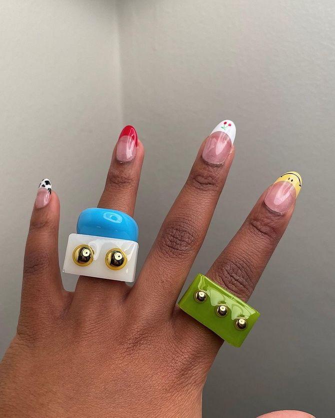 Пластиковые кольца — модный тренд в игрушечном стиле 23