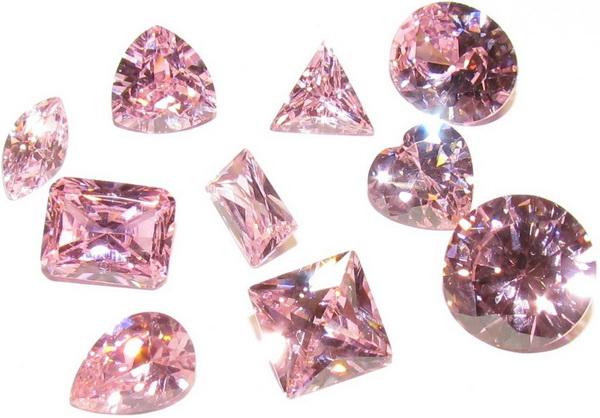 розовый фианит