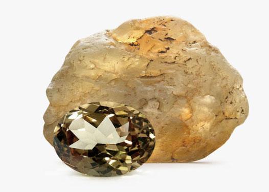камень с минералом
