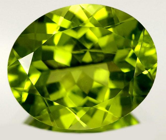 камень-хризолит