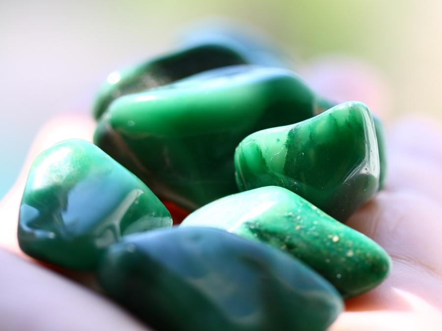 жадеитовые камни