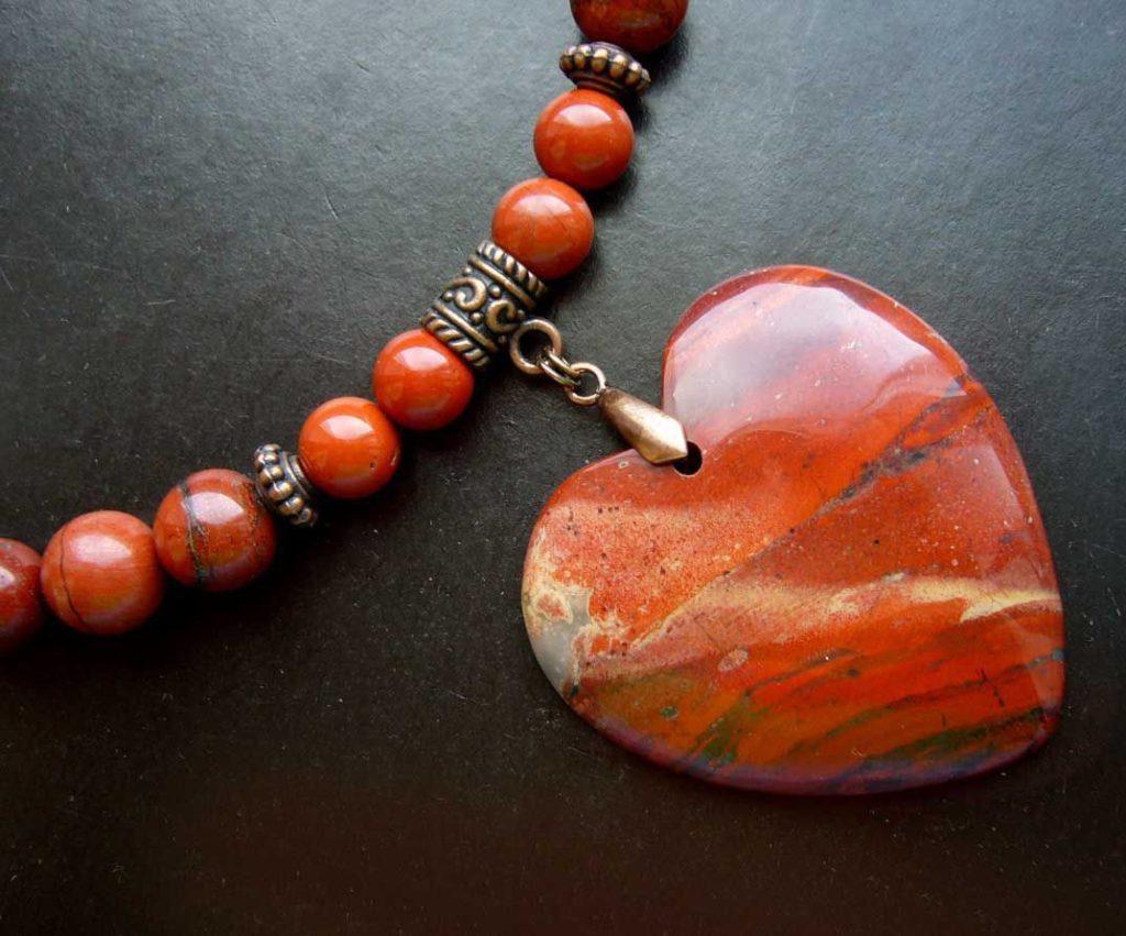 Сердце из яшмы